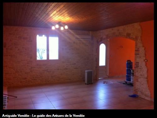 Pierre de plaquage intérieur et création d'une voute en briques, Luçon 85400