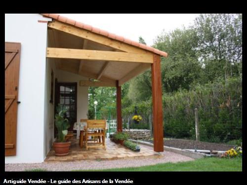 Création d'un préau en charpente apparentesur la commune de La Mothe Achard (85150)