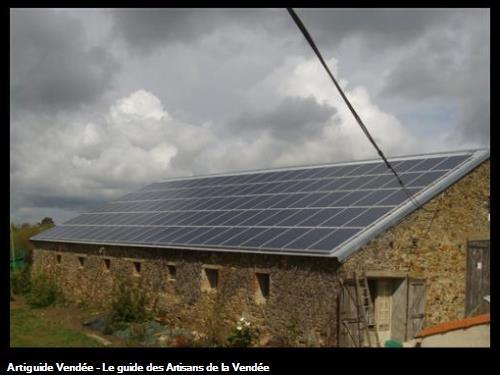 grange après avec panneaux photovoltaiques