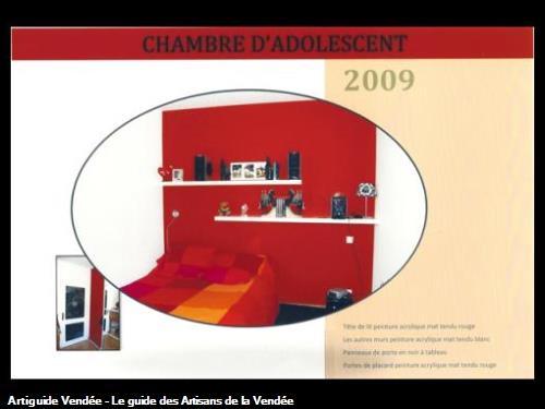 Murs en laque mat blanc et rouge panneaux de porte en noir à tableau portes de placard en laque mat rouge,réalisé par l'entreprise Guy Praud SARL (Mouilleron le Captif 85000)
