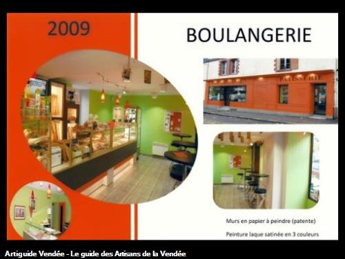 boulangerie en papier à peindre vert anis, orange et gris clair,réalisé par l'entreprise Guy Praud SARL (Mouilleron le Captif 85000)