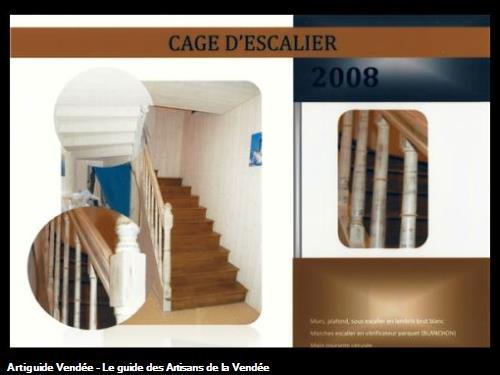 murs en lambris brut blanc,dessous d'escalier habillé en lambris brut blanc,marches vernis spéciale escalier anti dérapant,main courante blanc cérusé plus vitrificateur,réalisé par l'entreprise Guy Praud SARL (Mouilleron le Captif 85000)