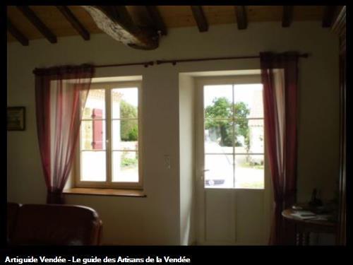 Embrasure de fenêtre avec tablette, et embrasure de porte. Sallertaine