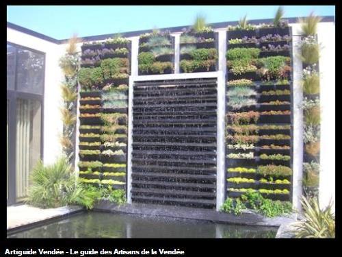 Réalisation d'un Mur Végétal visible à l'entreprise à la Mothe Achard 85150