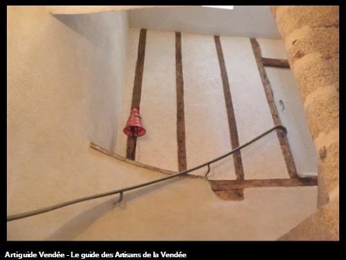 Enduit taloché en restauration d'escalier
