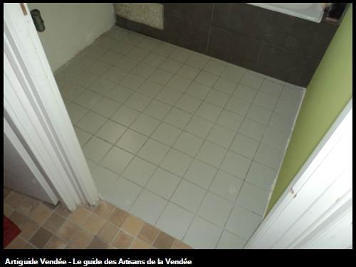 revetement de sol d'une salle de bain avant