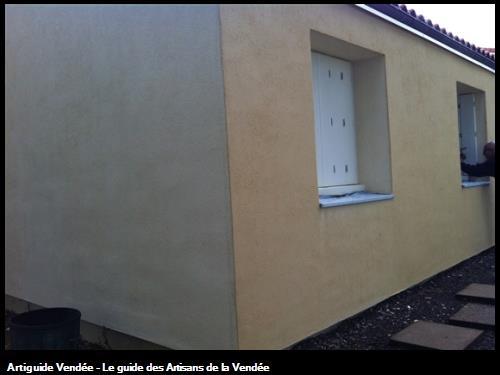 Finition avec enduit à la chaux ( Produit dit écologique ) à près la pose d'Isolation par l'Extérieur - Rénovation de logements à St Philbert de Bouaine