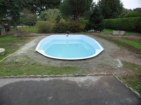 piscine posée avant travaux d'aménagement 85100 Les Sables d'Olonne