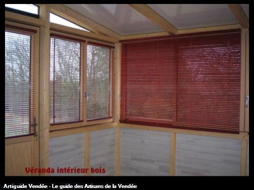 Véranda Alu extérieur/ Bois intérieur avec pose de stores vénitiens bois